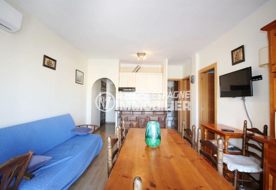 immo empuria: appartement 3 pièces 57 m², séjour, salle à manger avec son coin cuisine