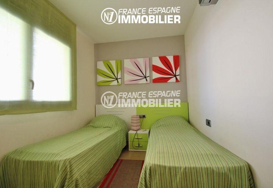 immobilier roses espagne: appartement ref.2848, deuxième chambre avec 2 lits simples