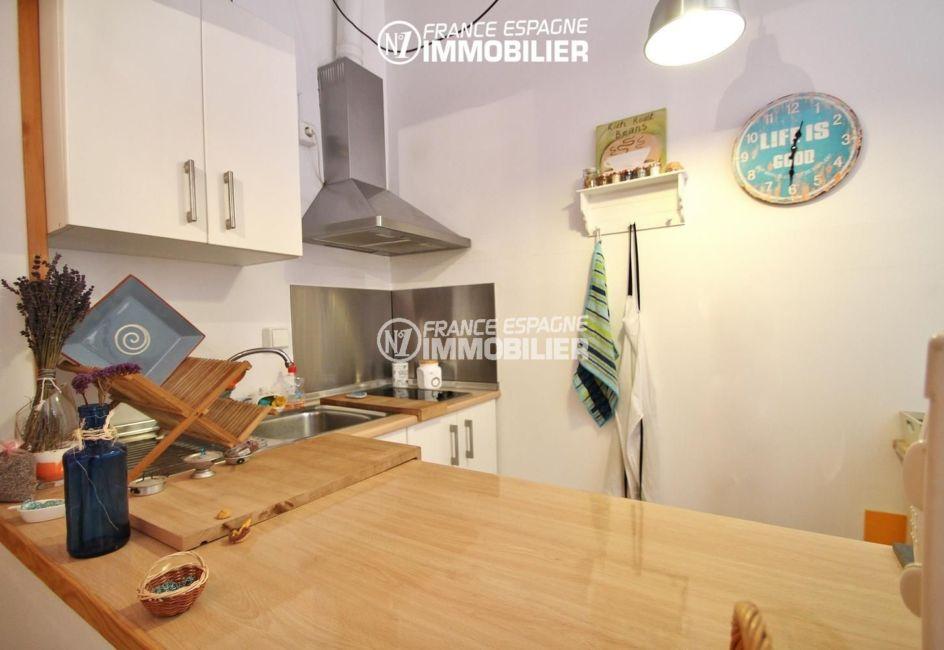 immobilier espagne costa brava: appartement ref.3283, cuisine fonctionnelle et équipée