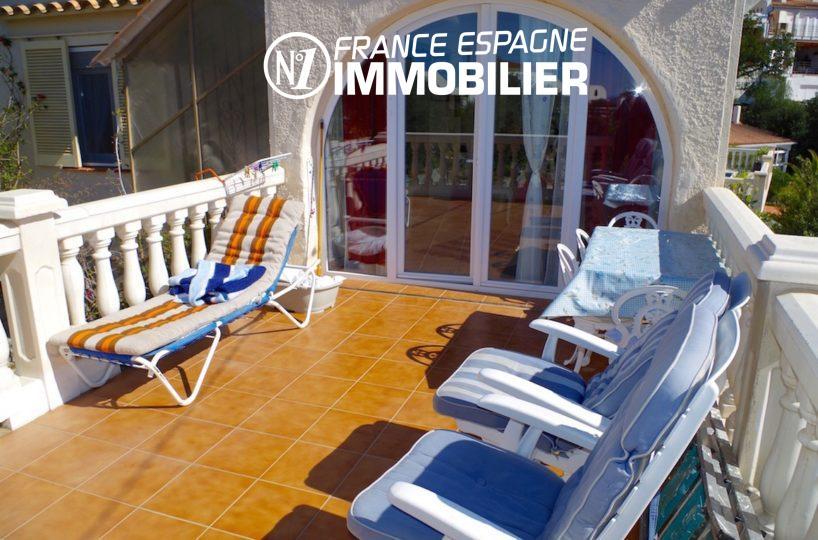 immo espagne costa brava: villa ref.2497, vue sur la terrasse carrelée