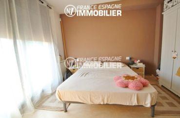 maison a vendre empuriabrava, ref.2047, première chambre lit double accès jardin