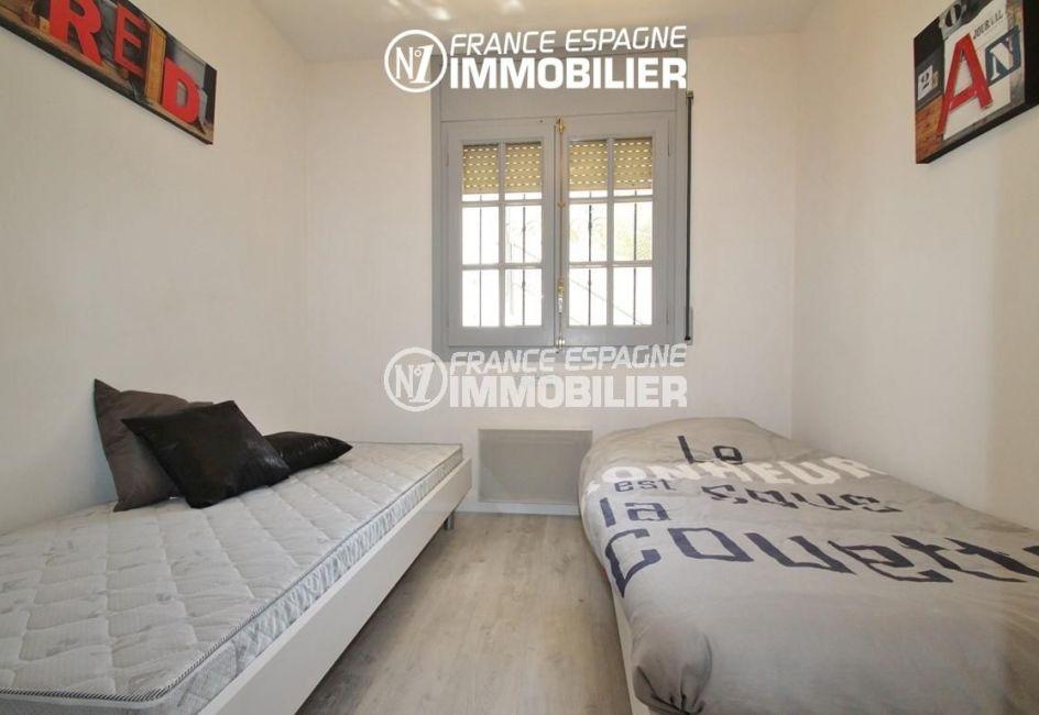 immobilier roses espagne: appartement ref.2862, deuxième chambre avec 2 lits simples