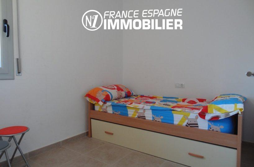 vente appartement rosas, ref.2117, deuxième chambre avec un lit simple