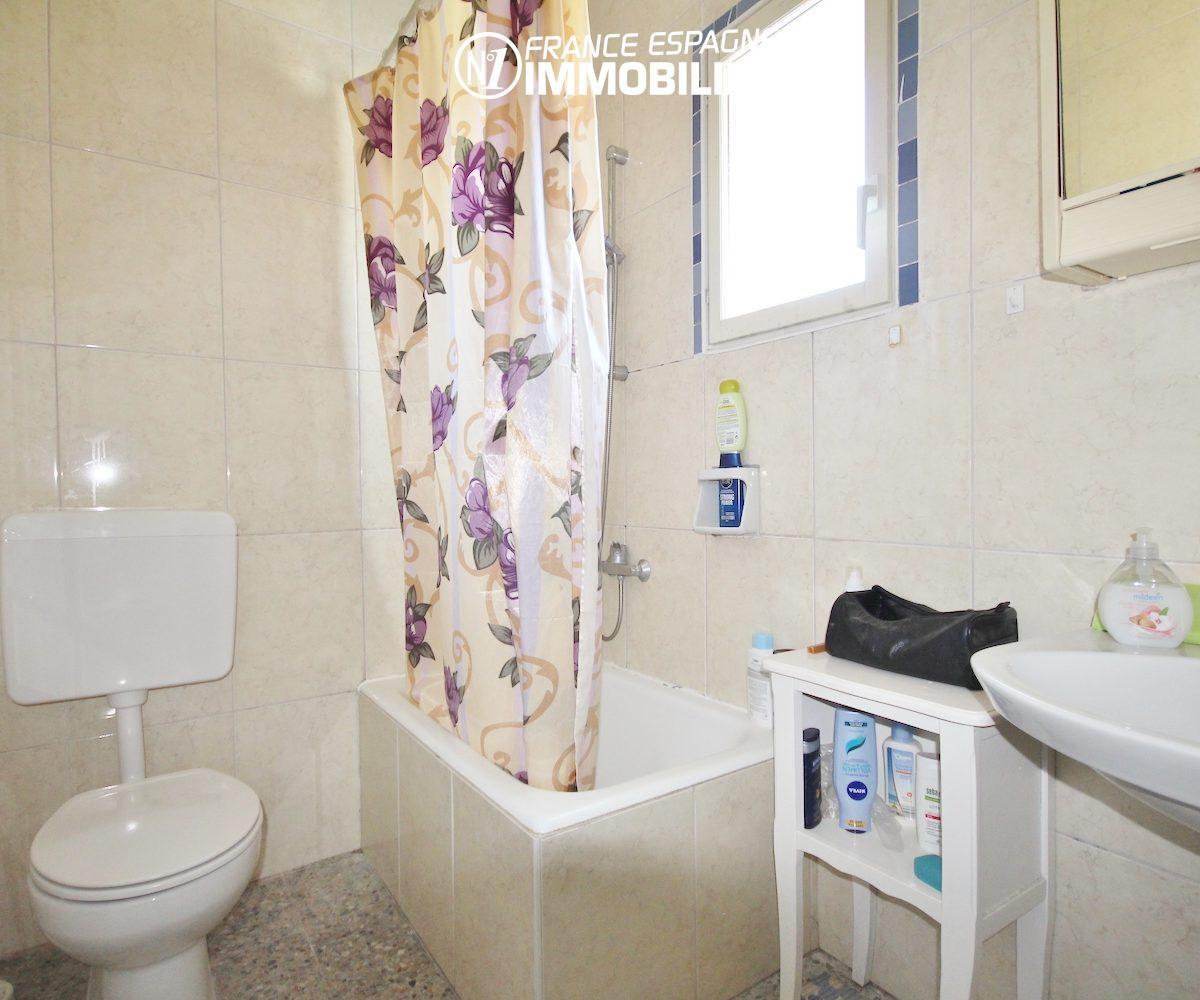 appartement costa brava, pas cher ref.3154, salle d'eau et wc