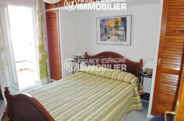 maison a vendre espagne rosas, canyelles, première chambre avec lit double accès terrasse