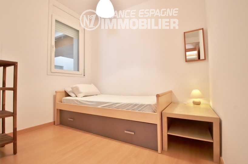 immobilier roses espagne: appartement ref.1741, seconde chambre avec lit et rangements