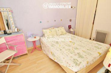 agence immobiliere costa brava: ref.3283, chambre avec lit double et rangements
