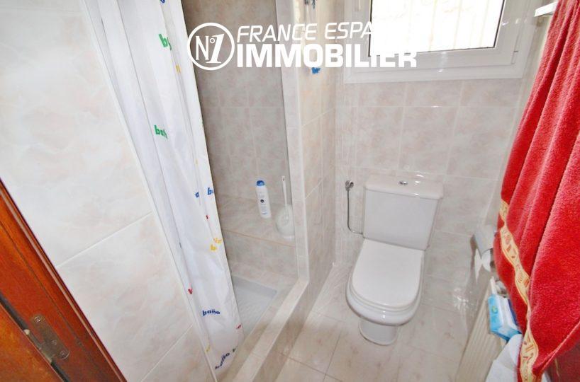 achat immobilier costa brava: villa ref.2596, salle d'eau avec toilettes