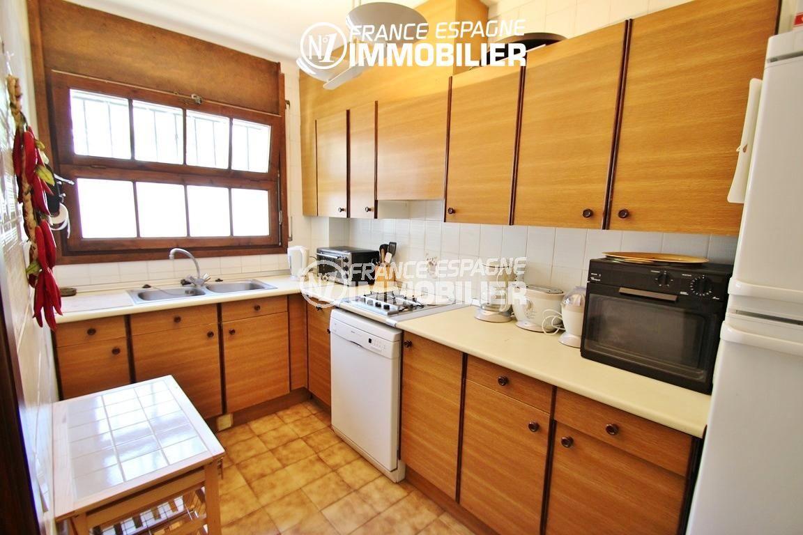 roses espagne: villa ref.2625, cuisine indépendante et fonctionnelle