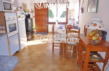 achat maison empuriabrava, garage, vue sur le salon / séjour et la porte d'entrée