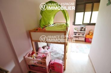 maison a vendre espagne costa brava, ref.2047, deuxième chambre avec lits superposés
