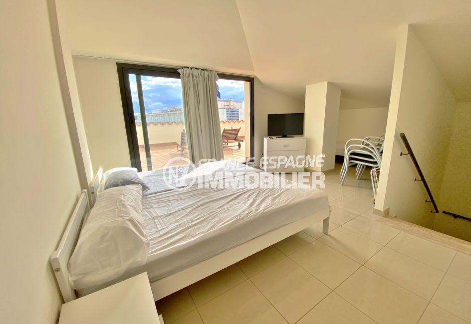 acheter appartement rosas, 3 pièces 85 m², 1° chambre à coucher avec terrasse de 26 m²