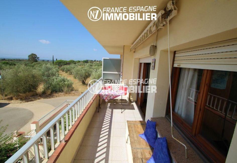 immocenter roses: appartement 70 m², terrasse de 8 m² avec vue dégagée