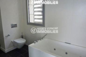agence immo roses espagne: villa ref.2392, salles de bains avec toilettes