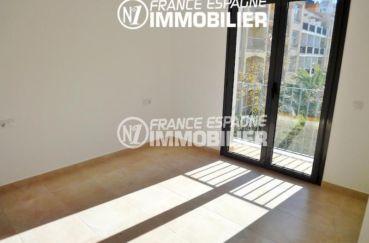 acheter maison costa brava, garage, deuxième chambre lumineuse avec accès balcon