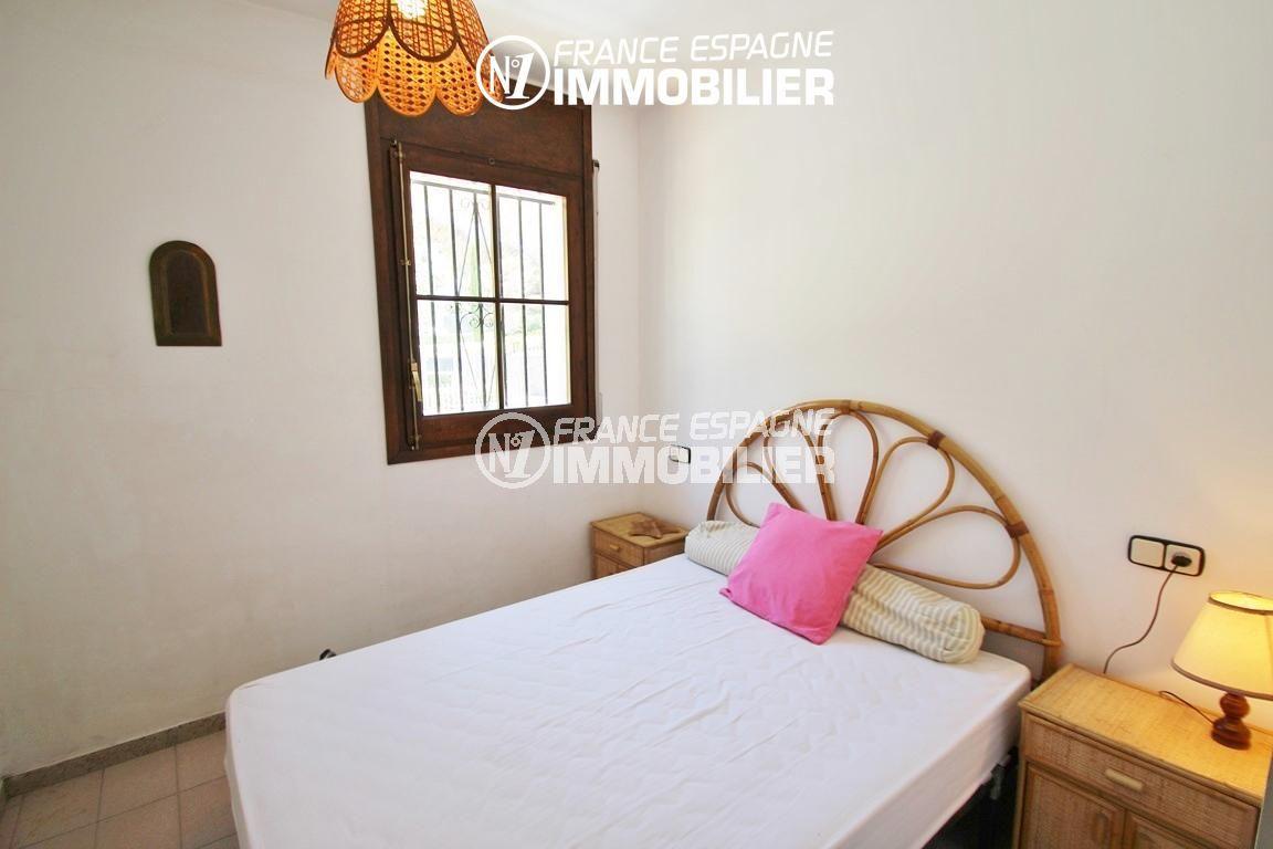 maison a vendre rosas vue mer, ref.2625, première chambre avec lit double
