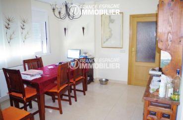 palau immobilier: villa ref.2287, salle à manger avec des rangements