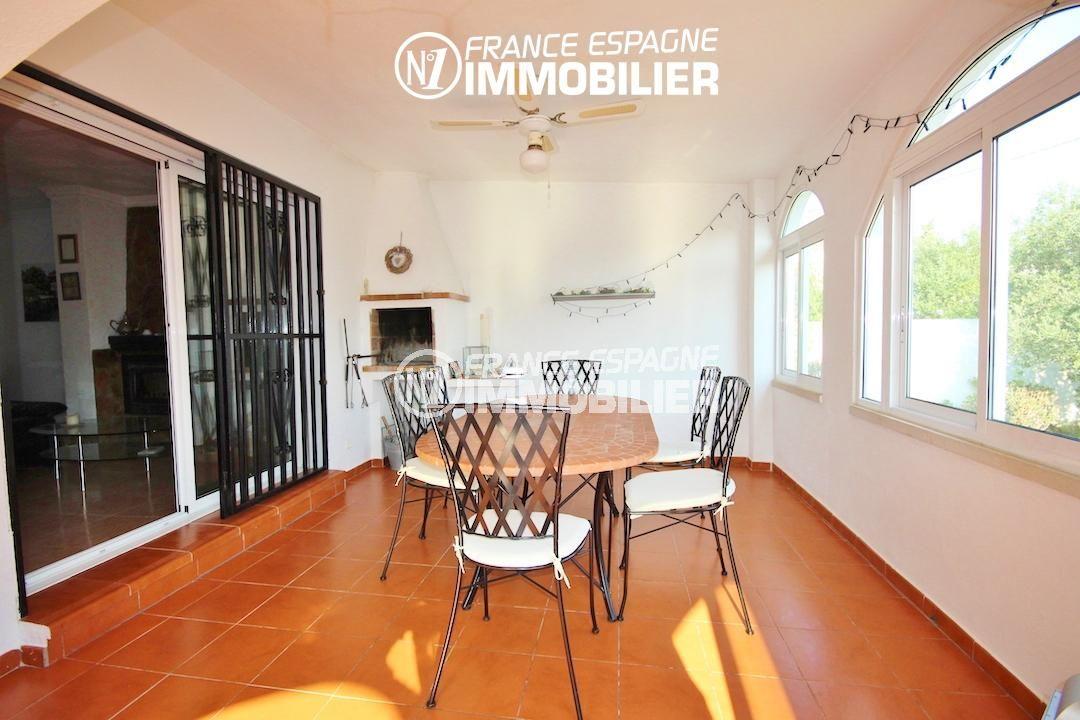 agence immobilière roses: villa ref.3211, salle à manger d'été dans la véranda