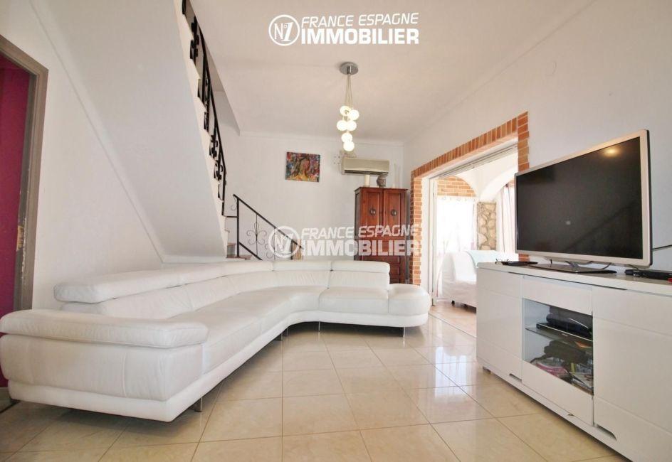 achat maison espagne costa brava, 4 pièces 150 m², séjour avec terrasse et solarium