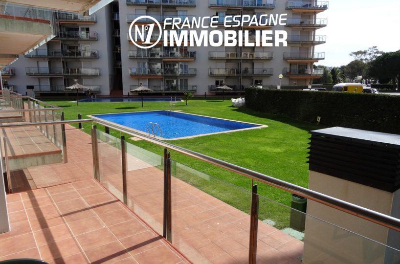 la costa brava: appartement ref.2507, vue sur la piscine depuis la terrasse