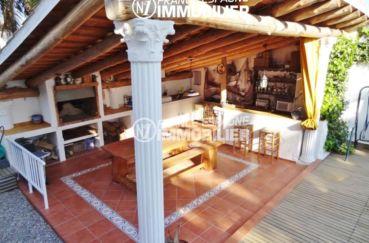 agence immo empuriabrava: villa ref.2110, terrasse couverte avec BBQ