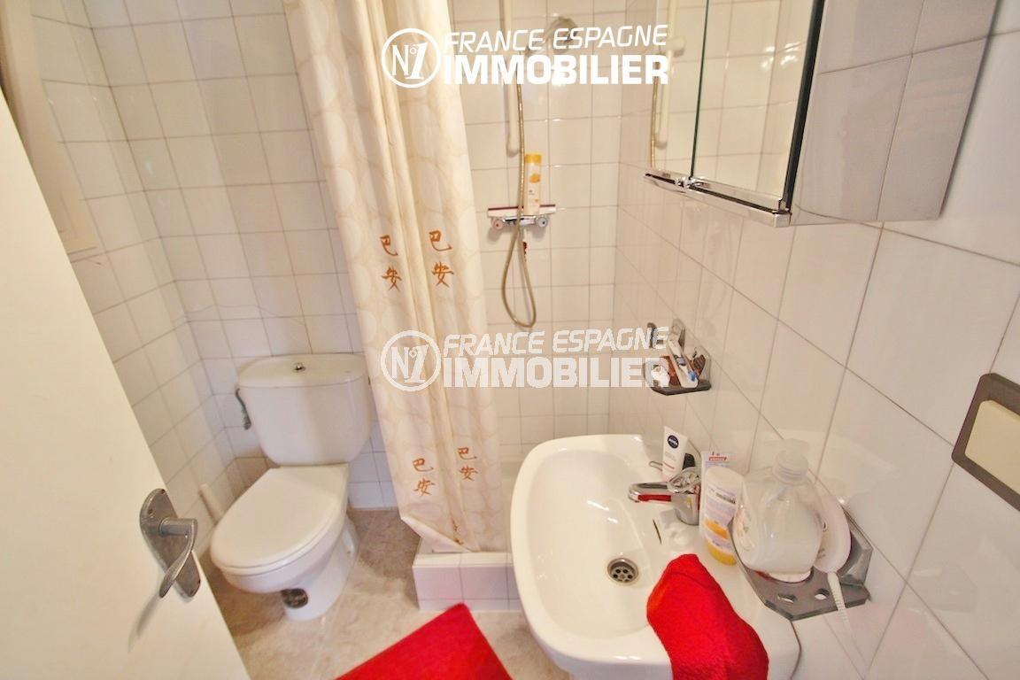 vente immobiliere rosas espagne: villa ref.2596, salle d'eau avec lavabo et toilettes