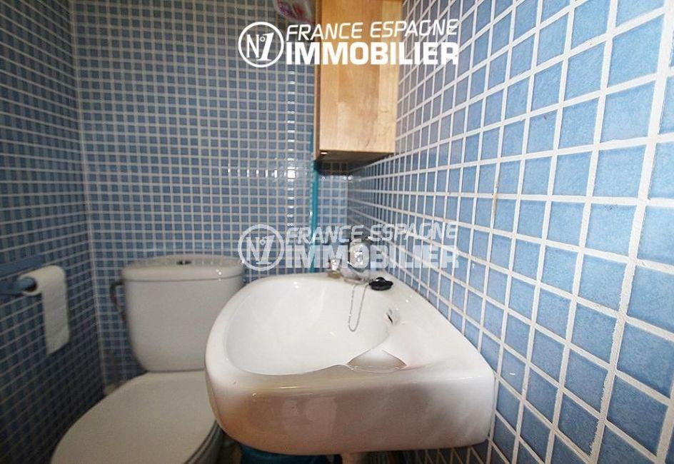 achat maison costa brava, ref.2047, aperçu des toilettes indépendantes