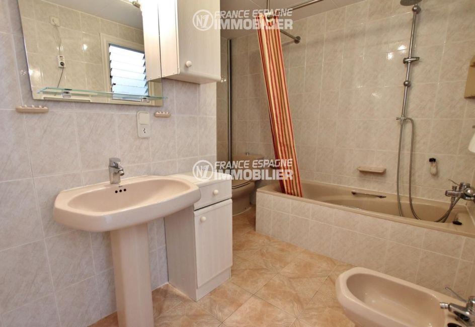 agence immobilière costa brava: villa ref.2667, salle de bains avec toilettes