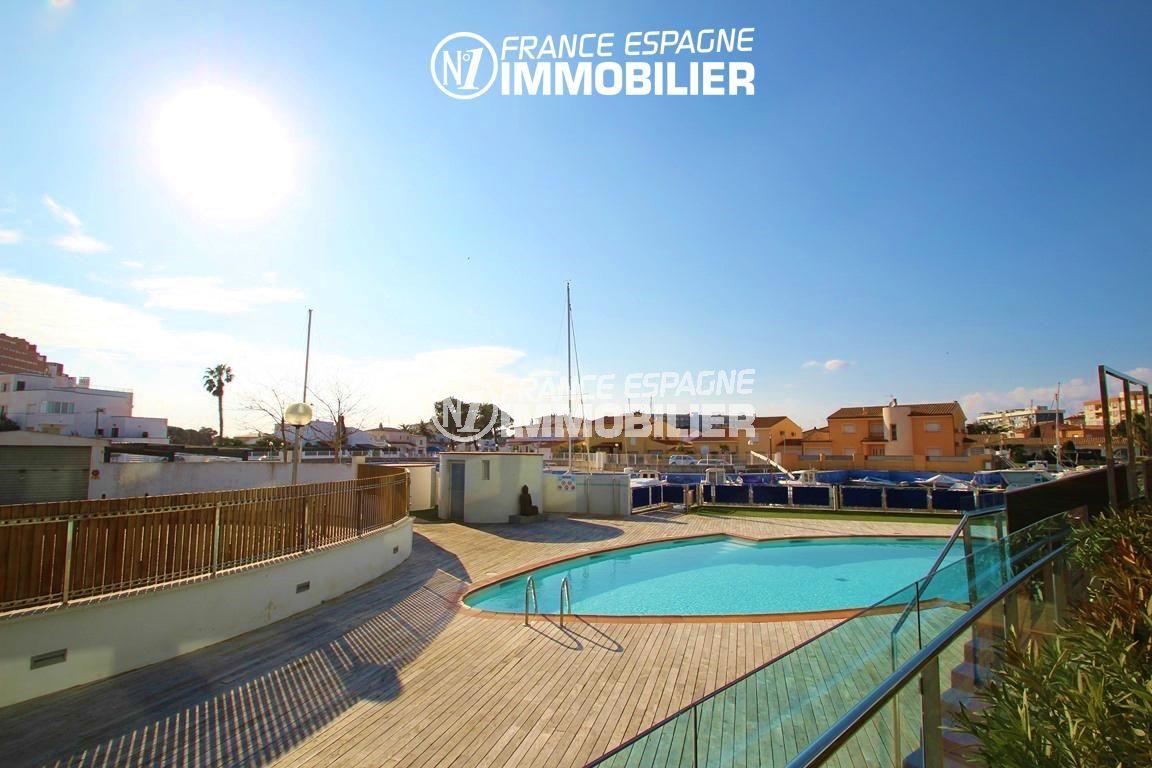 la costa brava: appartement ref.2848, vue sur la marina et la piscine depuis la terrasse