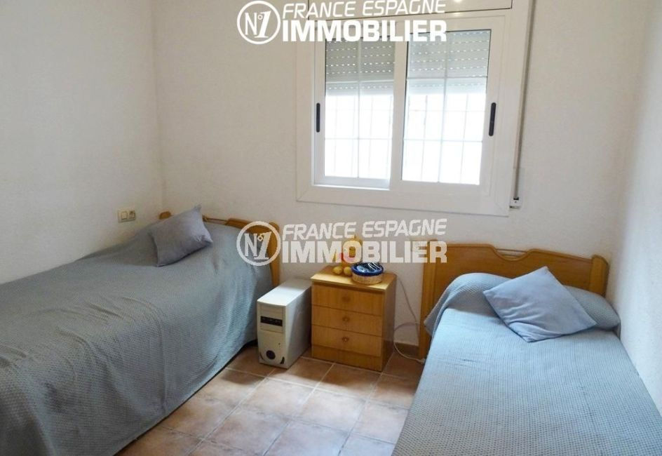 deuxième chambre avec deux lits simples | villa ref.2560