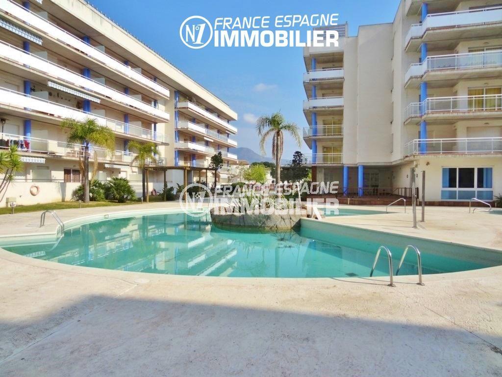 appartement roses, ref.2647, dans résidence avec piscine