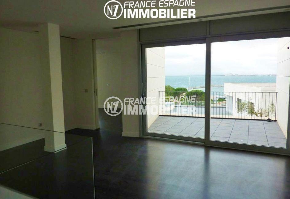 agence immobiliere roses espagne: villa ref.2392, hall de l'étage accès terrasse de 26 m²