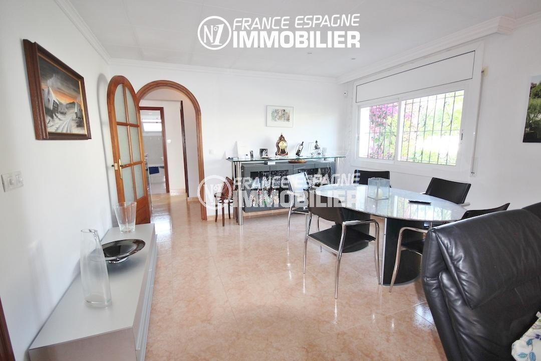 vente immobilier rosas espagne: villa ref.3211, séjour coté salle à manger, accès cuisine