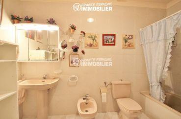 maison costa brava, ref.3271, suite parentale - vue de la salle de bains