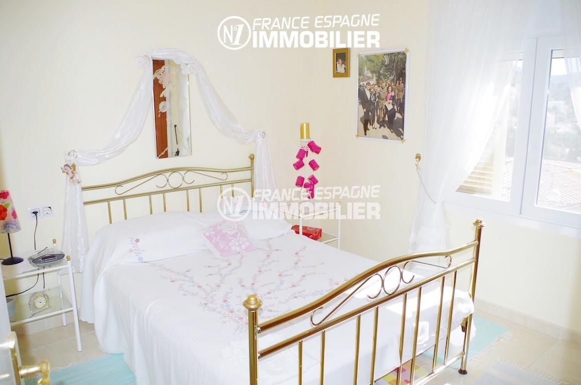 agence immobiliere roses: villa ref.2497, première chambre lit double