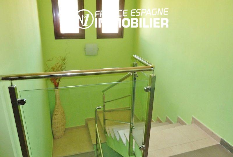 maison a vendre espagne bord de mer, ref.1013, aperçu de l'escalier sécurisée