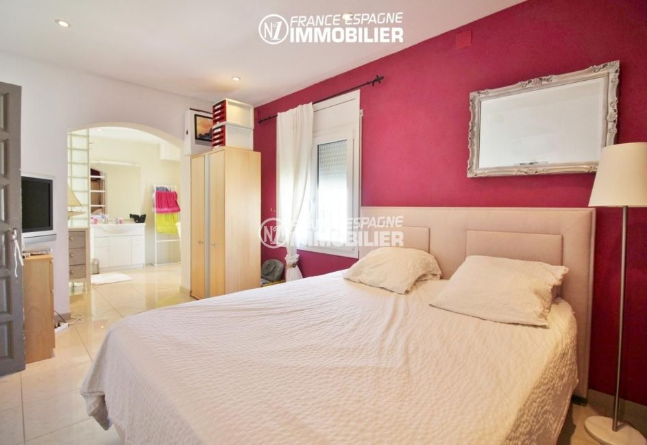 achat immobilier costa brava: villa 150 m², suite parentale, accès terrasse, salle d'eau