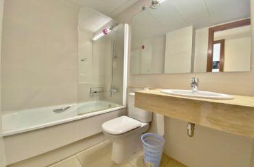 agence immobiliere costa brava: appartement 3 pièces 85 m², 2° salle de bain, baignoire et wc