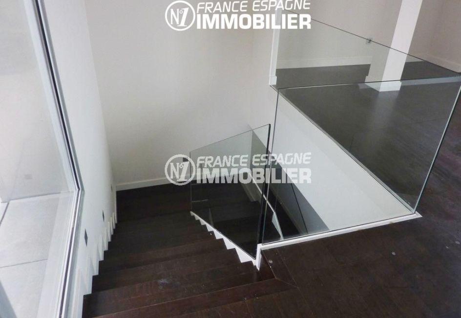 maison costa brava, ref.2392, accès à l'étage par un escalier sécurisé