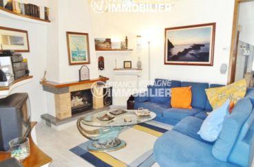 empuriabrava immobilier: belle villa ref. 2110, séjour avec cheminée