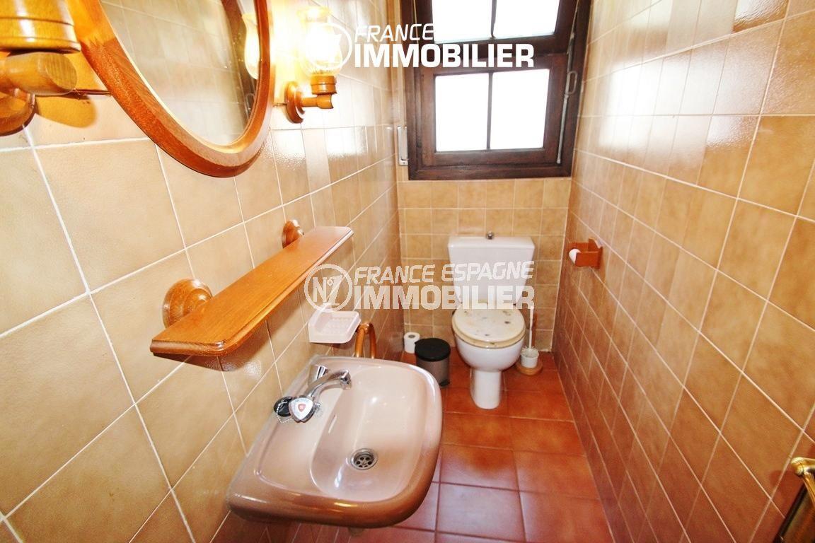 maison costa brava, ref.2625, wc indépendant avec lavabo et fenêtre