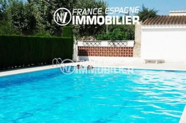 empuriabrava: appartement en rez de chaussée avec piscine communautaire