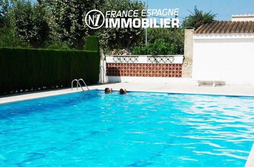 Empuriabrava: appartement en rez de chaussée - vue sur la piscine