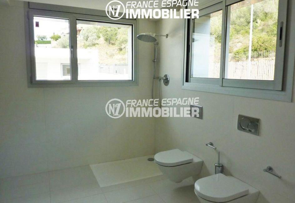vente immobiliere rosas espagne: villa ref.2391, salle d'eau avec douche et 2 toilettes