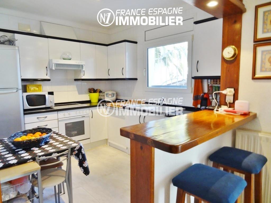 immobilier ampuriabrava, villa ref.2110, cuisine américaine équipée