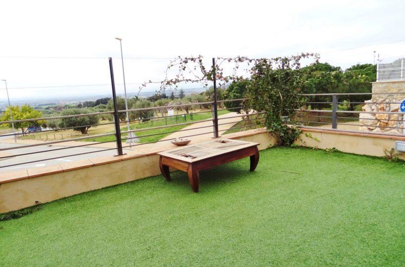 achat maison costa brava, ref.2482, vue dégagée depuis le jardin synthétique