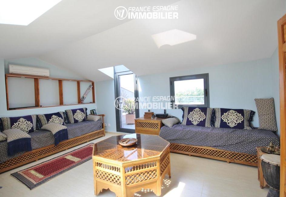vente appartement costa brava : 139 m² + terrasse 66 m², 3 chambres, piscine - à San Pere Pescador