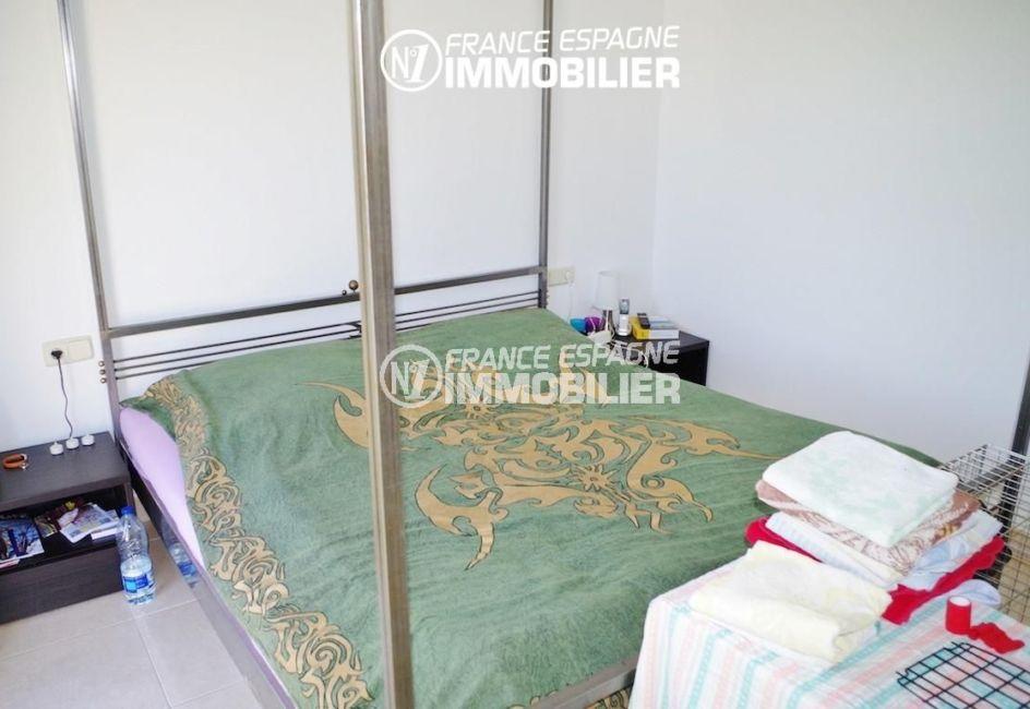 palau saverdera, villa ref.2287, troisième chambre avec un lit double