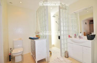 achat maison sur la costa brava, 4 pièces 150 m², salle d'eau douche italienne, suite parentale