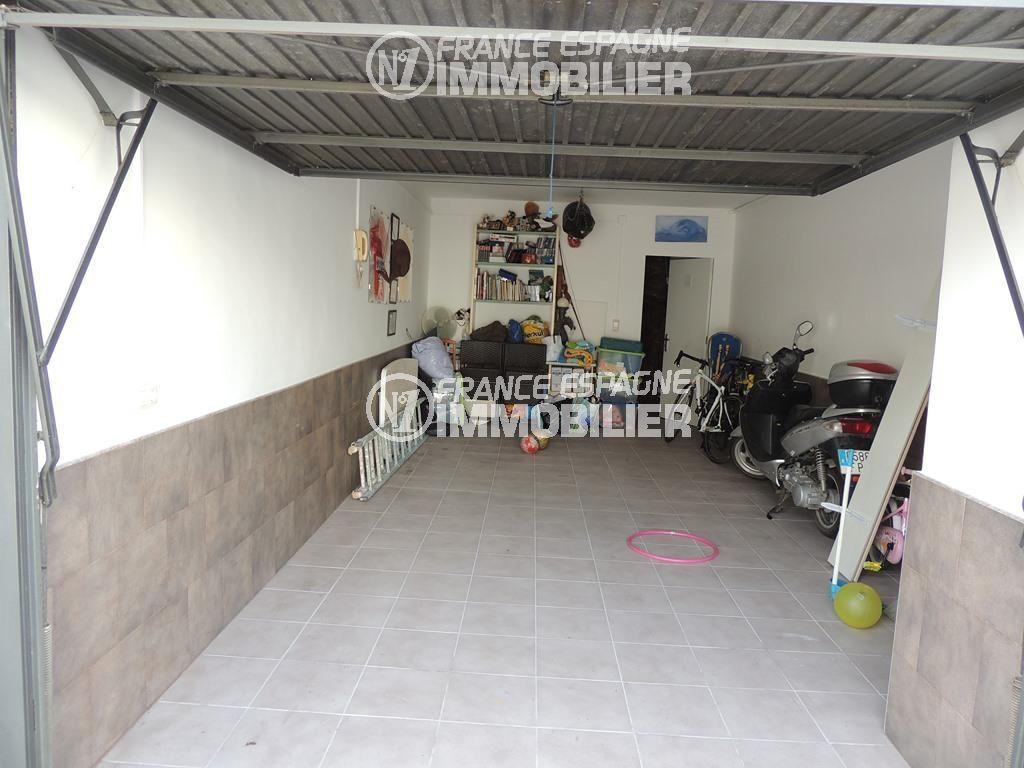 maison a vendre en espagne bord de mer pas cher, ref.2470, aperçu du garage de 24 m²